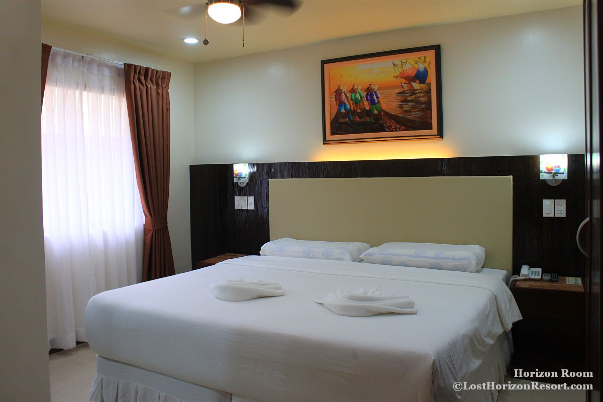 Horizon Room lost Horizon Beach Dive Resort-002