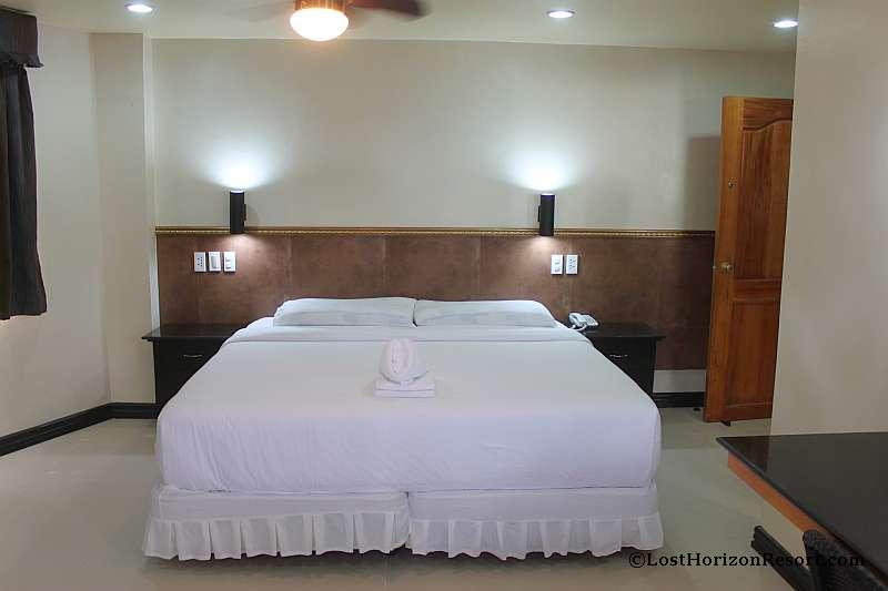 lost-horizon-beach-resort-suite-room-2