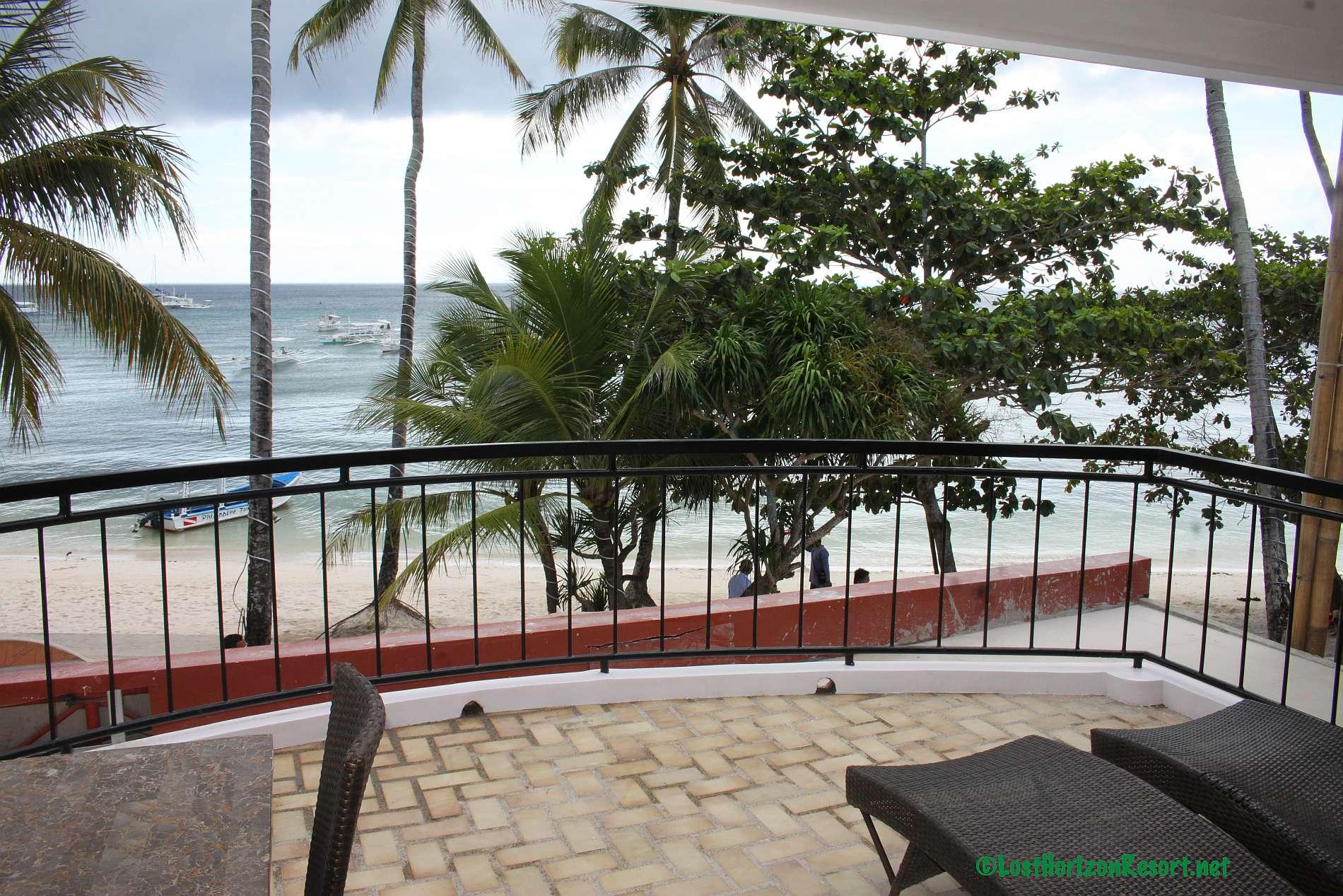 Lost-Horizon-Beach-Resort-Alona-Beach-Panglao-Bohol-Philippines-sun-view-room018