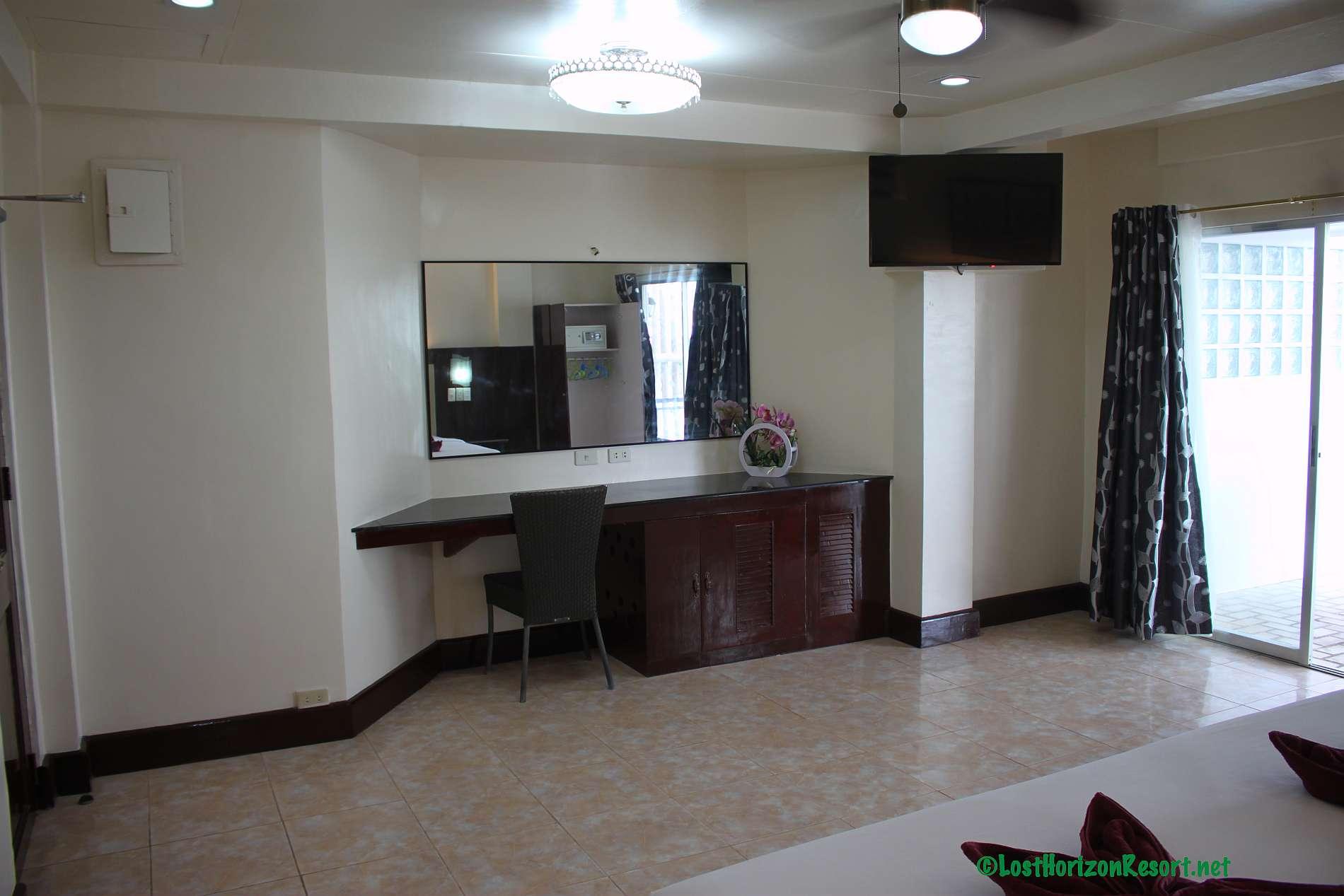 Lost-Horizon-Beach-Resort-Alona-Beach-Panglao-Bohol-Philippines-sun-view-room026