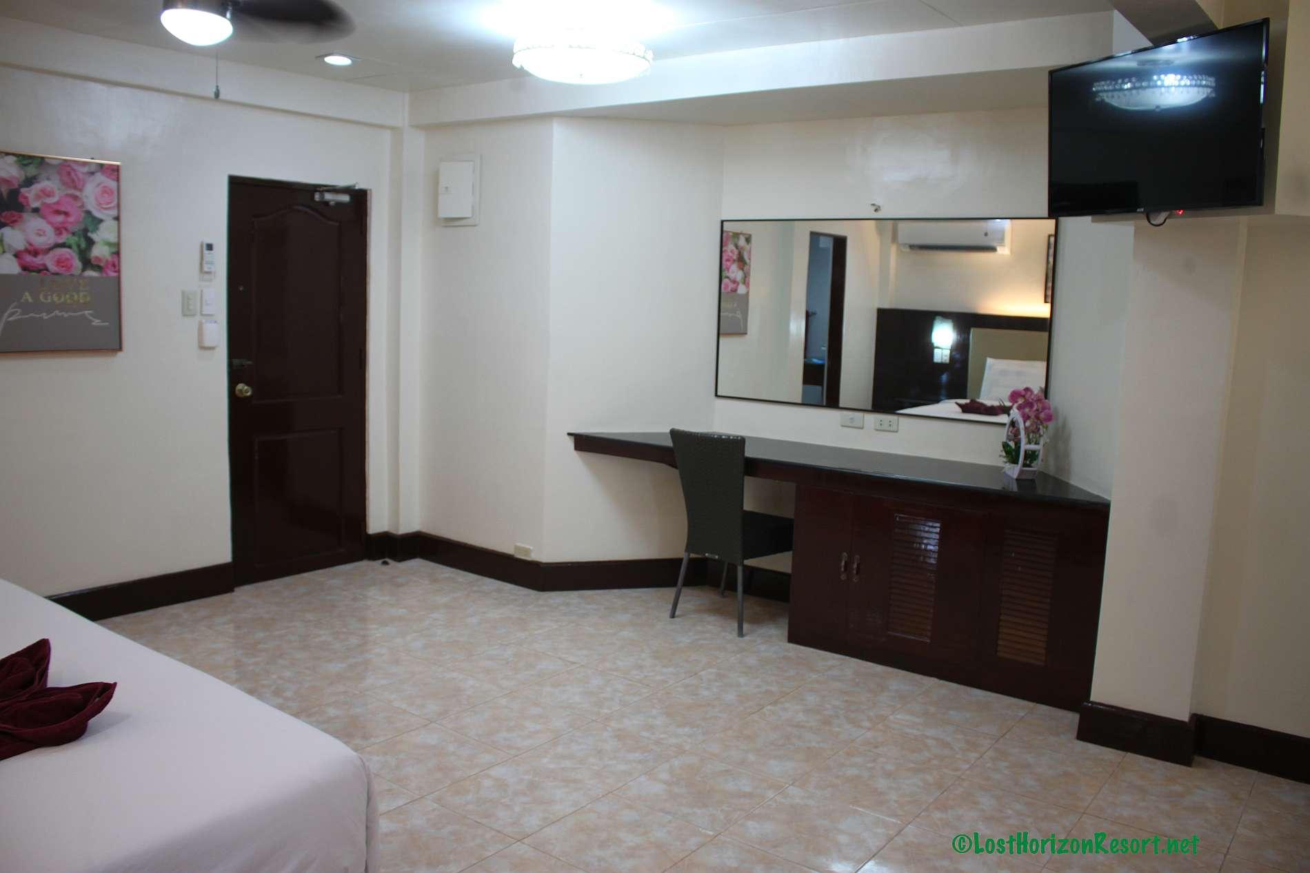 Lost-Horizon-Beach-Resort-Alona-Beach-Panglao-Bohol-Philippines-sun-view-room069